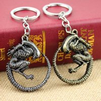 aliens chain - Hot Fashion Vintage Bronze Game Alien Vs Predator AVP Alien Queen Key Chains zinc alloy plated Keychain Rings for souvenirs