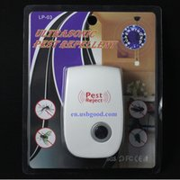 Wholesale Hot Enhanced Version Electronic Cat Ultrasonic Mosquito Repeller Mouse Repellent Cockroach Pests reject With Retail Packaging