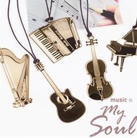 Wholesale New creative exquisite gold plated metal lanyard musical instruments piano violin guitar bookmark High quality