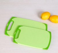 Wholesale The kitchen chopping board chopping chopping board antibacterial classification antiskid chopping board hanging panel PE plastic board