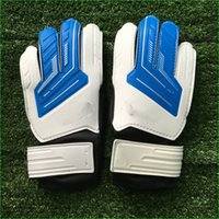 Wholesale Breathable Latex Football Goalkeeper Gloves Size for Youth Children Goalie