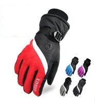 Wholesale Spot winter ski outdoor thickened anti slip wear resistant thermal cycling gloves men and women