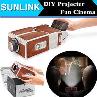 Wholesale Portable Simple Projection Equipment Toy DIY Cardboard Smartphone Mobile Phone Projector Mini Portable Cinema for Home Office