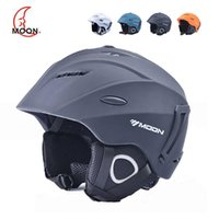 Wholesale MOON Brand Ultralight Ski Helmet Winter Snowboard Helmet Saftly Helmet Outdoor Sports Equipment Ski Helmet Skiing Equipment