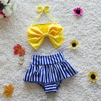 2016 Pretty Baby Girl Bikini Maillots de bain pour les enfants Maillot de bain Big Bowknot Décoration Petite princesse Swim Tissu 2 Couleur
