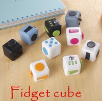 Wholesale 10 Color Fidget Cube A Vinyl Desk Toy anti irritability to ease the pressure to focus dice cube box for girl boys Christmas gift b531