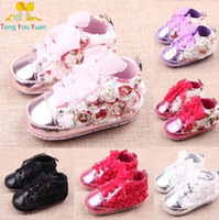 Wholesale Hug Me Baby Girls Boys First Walker Shoes Sequins New Manual Winter Soft Bottom Shoes AA