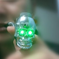 Wholesale new skull shape metal smoking pipe LED Luminous scalable property metal pipe color