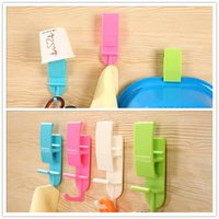 Wholesale 200pcs New Arrival Creative Plastic Hanging Storage Wall Sticky Hooks Kitchen Bathroom Towel Storage Holders Racks ZA0767