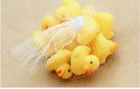 Wholesale Size4 cm Baby Bath Water Duck Toys Sounds Mini Yellow Rubber Ducks Kids Bath Small Duck Toy Children Swiming Beach Kids Xmas Gifts