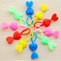 Wholesale 50pcs Heart shaped Silicone Plastic Food Bag Sealing Clip Tie Beam Port Bundled OPP Flat open top Bag Clip BZ207 lt no tracking