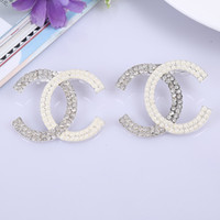 Wholesale YY441 Yaya jewelry trade in Europe and America new fashion letter diamond brooch brooch alloy factory direct Y380