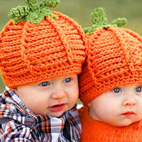 Cheap DHL free Lovely Newborn Baby Boys Girls Pumpkin Cap Handmade knit Crochet winter Hats Halloween Costume Photography Prop Gift Children 2016