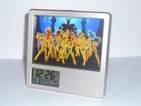 al por mayor marcos de fotos digitales de oro-New Saint Seiya Gold Saints Despertador digital creativo Reloj de escritorio de múltiples funciones del calendario Calendario de la pluma Reloj de pared del marco de la foto
