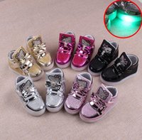 baby w - 2016 NEW children baby sneakers USB charging kids LED luminous shoes boys girls of colorful flashing lights sneakers