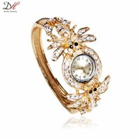beautiful spider - 2016 Newest fashion hot sale beautiful ladies watches alloy jewelry luxury gold plated spider shaped full crystal watch accessories