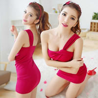 Wholesale nightclub sexy low cut V neck straps skirt European and American fashion irregular low cut halter tight package hip dress