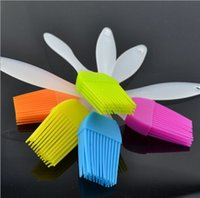 Wholesale 1000pcs creative kitchen tools resistant of degrees celsius silicone BBQ Brush oil brush butter brushes