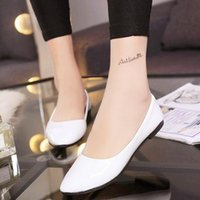 Wholesale Spring summer women casual shoes Lady flat shoes Fashionable dress shoes surface shiny leather shoes High quality work shoes in women