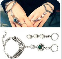 Wholesale New Arrival Hot Elegant Women Rhinestone Slave chain Pearl Bracelet connected ring