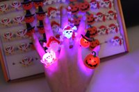 Wholesale 2016 New Halloween Flashing LED Light Up Toys Pumpkin Bumpy Skull Rings Party Favor Kids Toy Gift E725E