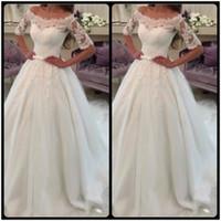 al por mayor long tail wedding dresses-Vestidos nupciales de la novia de la cola de la cola de los vestidos de boda del cordón de la manga de la vendimia vestidos de boda