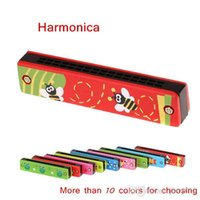 Wholesale 16 Holes Tremolo Harmonica Wooden Cover Design Educational Toy Colorful Harmonica for Kid Children