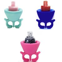 Wholesale Hot Soft Silicone Finger Wearable Nail Polish Bottle Holder Creative Wearable silicon nail polish holder with ring
