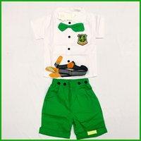 achat en gros de bouton de chemise enfant-enfants fête costumes garçons vêtements arc combinaisons de ceinture verte belle conception de bouton de poche t-shirt court garçons pantalon demi-bébé vêtements tenue