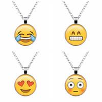 2016 Novos 13 tipos de QQ Expressão Emoji Tempo Gem Pingente Colar Ms. Sweater Cadeia de alta qualidade da jóia da forma Frete Grátis