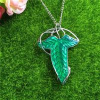 el envío libre! El más barato La comunidad del anillo verde de la hoja de Elven Broche colgante con cadena Collar Broche 160487