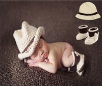 al por mayor recién nacido ropa de la fotografía-Traje de punto del ganchillo del juego del sombrero de la liga del arco del bebé suavemente Adorable Ropa Photo Props de la fotografía para el bebé recién nacido 0-6 meses D043