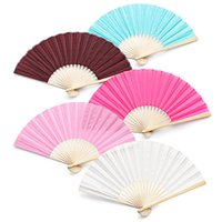 Wholesale 50Pcs Personalized Wedding Gifts Silk Folding Hand Fan Favor Customized Wedding Party Gifts For Guests Organza Bag Gift Box