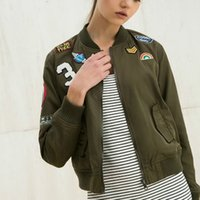 basic outerwear - 2016 Women Embroidered Bomber Jacket Letter Patch Army Green Zipper Short Thin Coat Spring Autumn Basic Jackets Casual Outerwear