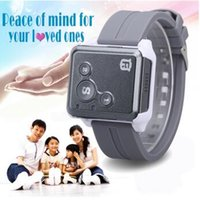Wholesale Reachfar RF V16 Real Time GPS Tracker Mini SOS Communicator for Kids Children Elderly Personal GSM GPRS GPS Tracking Device