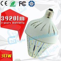 CE ROHS FCC approuvé LED 30W lumière de maïs E26 E27 SMD ampoules LED 100 ~ utilisation de 277V en post top luminaire de rue