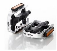 Wholesale WELLGO HOT NEW Bicycle Pedal MTB Folding Dead Fly Aluminium Pedals Black And White Ultralight Slip Pedals