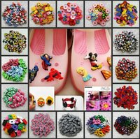craft shoes - Random Minions Elsa Kitty Minckey Inside Out Pony Avengers Crafts PVC Shoe Charms Fit Clog pvc Shoe Accessories Kids Gifts