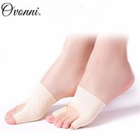 Wholesale 2 Professional Toe Straighteners Hallux Valgus Corrector Sock Feet Care Tool Bunion Relief Promotion
