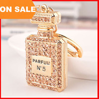 Wholesale luxury crystal N5 perfume bottle keychains women bags pendants key chain key rings fashion statement jewelry Christmas gift colors