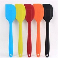 Wholesale New Cake Scraper Cake Cream Butter Spatula Mixing Scraper Brush Silicone Cake Tool