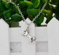 antique amulet - Brand New Hot Antique Silver Horse Charm Amulet Pendant Clavicle Short Necklace Jewelry Findings Friendship Gift shipping A036