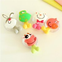 Wholesale Cute Cartoon Animal Sucker Plastic Toothbrush Holder With Suction Cup Bathroom Sets Family Tooth Brush Holder Wall