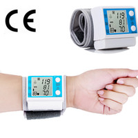 Wholesale Household Wrist Blood Pressure Monitor Health Care Digital Tonometer Sphygmomanometer medidor de pressao arterial