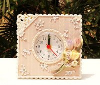Wholesale Retro Small Purple Flower Home Decor Table Desk Clock Resin Battery Electronic