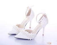Precio de Sandalias de perlas flores-Zapatos blancos de la boda, apuntó los zapatos de la boda las flores del cordón de la perla, tostadas del banquete de los zapatos de tacón alto, sandalias de las mujeres, correa delgada del talón, zapatos nupciales