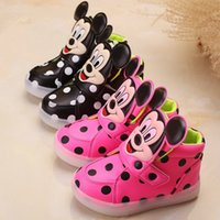 Wholesale Retail color Boys Girls Sneakers Kids Mickey Dot Led Lighting Shoes Child Casual Athletic Shoes Baby Luminous Flat Shoes Cartoon