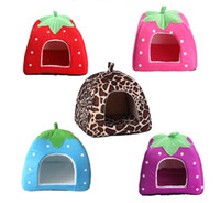 Wholesale Strawberry shape dog house puppy Dog Bed Kennel Mat Soft Fleece Pet Dog Puppy Warm Bed House Plush Cozy Nest Dog House Pad warm pet house