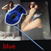 masquerade masks on stick - New Simple Party Masks on Stick Sequin Coated Venetian Masquerade Mask Half Face Mask Halloween Novelty Gift mix color