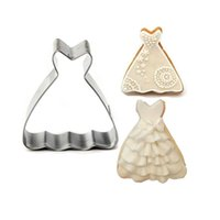 baking dressing - 200pcs New Stainless Steel Wedding Dress Princess Gown Cake Cookie Cutter Biscuit Mold Kithen Baking Tools Bakeware ZA0786